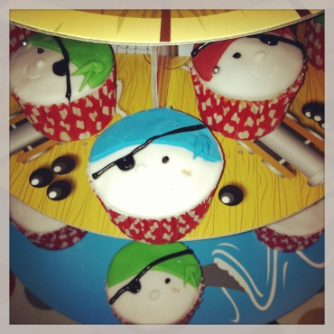 Pirate vanilla cupcakes